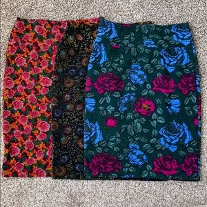 3-1 LulaRoe Cassie in Roses prints
